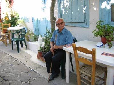 ΚΑΛΟΚΑΙΡΙ 2005: Ο ΣΑΒΒΑΣ ΘΑΛΑΣΣΕΛΗΣ ΣΤΟ ΚΑΦΕΝΕΙΟ